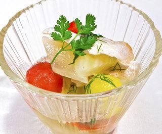 小鯛と彩り野菜の香草マリネ